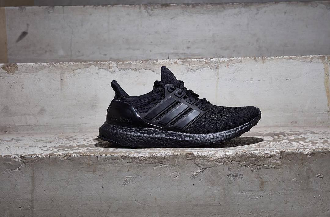 adidas ultra boost triple black release